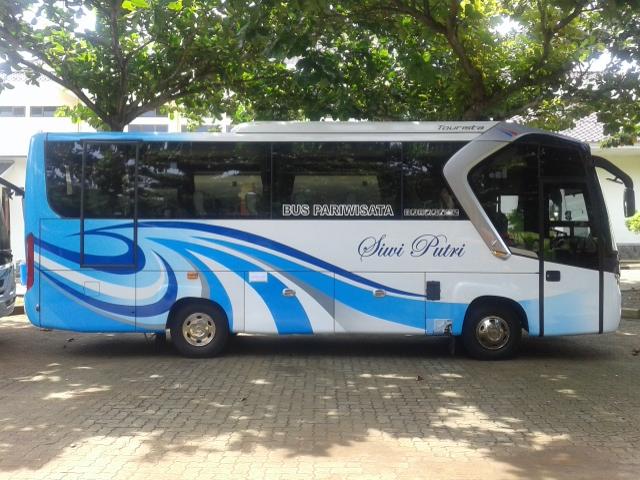 Sewa Bus Medium Demak | https://ranggawarsitatour.co.id | Tlp/Wa : 08222-515-0321